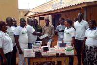 LIEBE AFRIKA der Ärzte am Krankenbett von Häftlingen Zivilgefängnis Tsévié